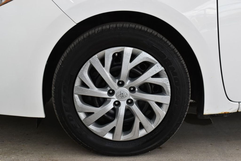 2017 Toyota Corolla  - 18712675 - 6