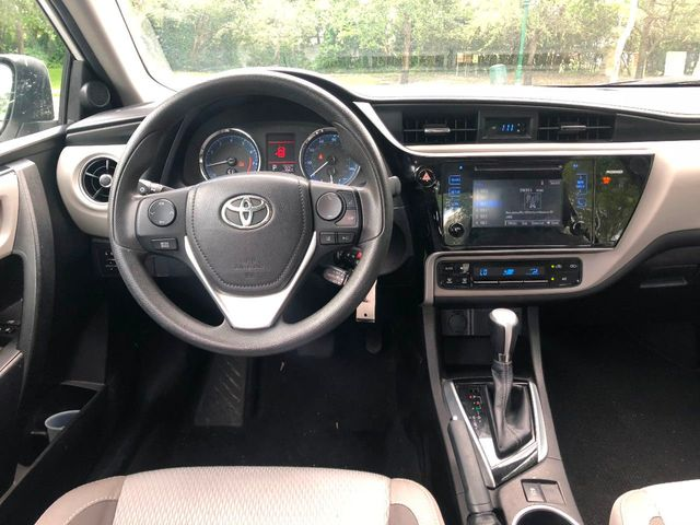 2017 Toyota Corolla  - Click to see full-size photo viewer
