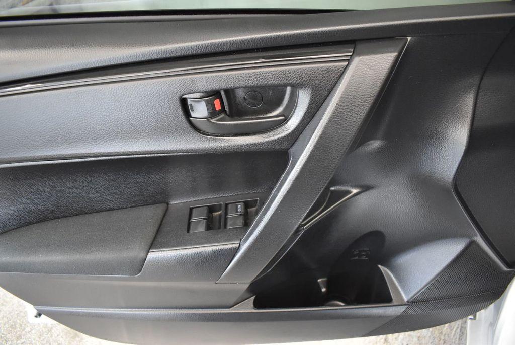 2017 Toyota Corolla L - 18157161 - 15