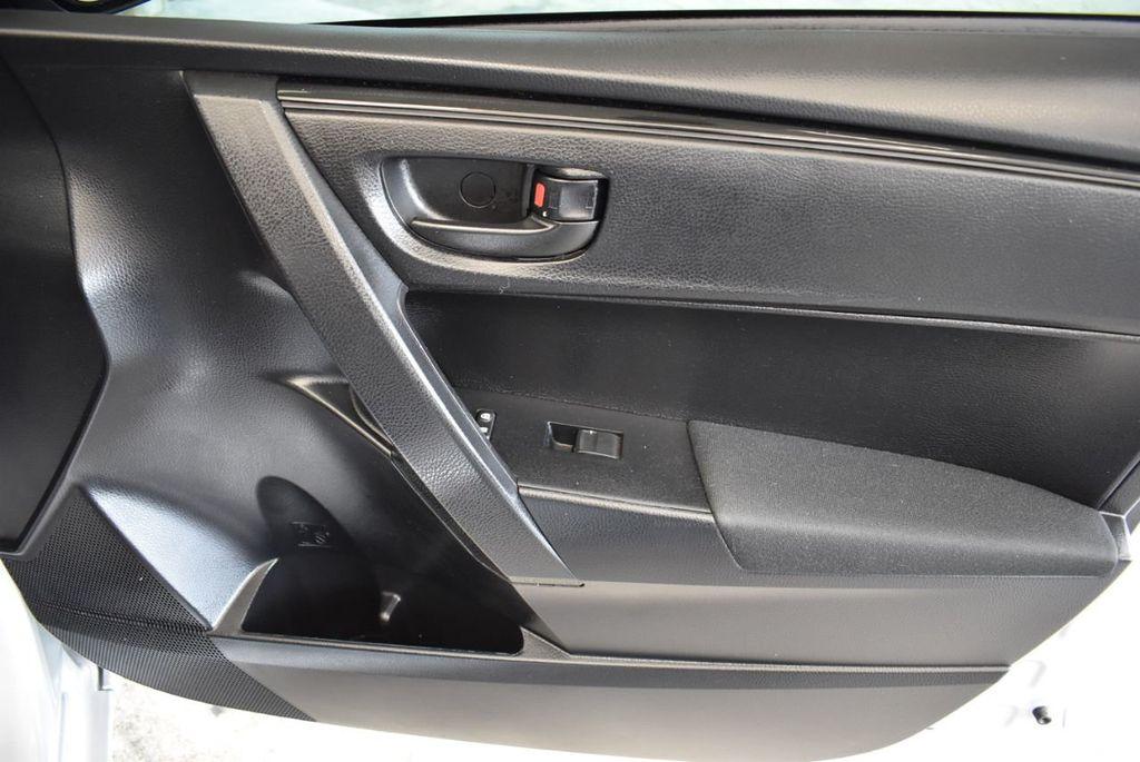 2017 Toyota Corolla L - 18157161 - 24