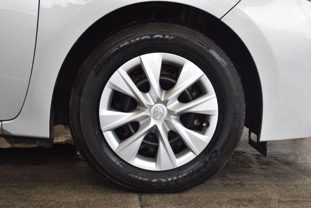 2017 Toyota Corolla L - 18157161 - 8