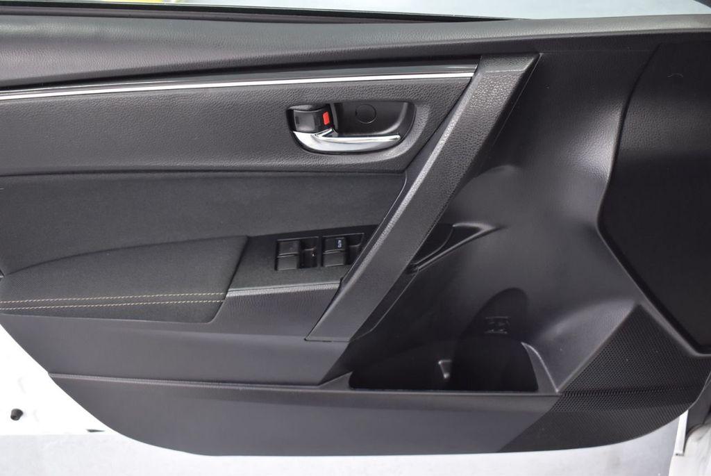 2017 Toyota Corolla L CVT - 18381963 - 19