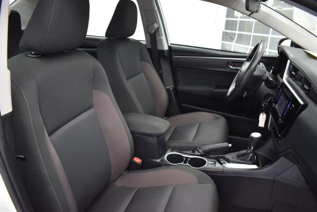 2017 Toyota Corolla L CVT - 18381963 - 25