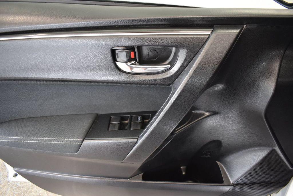 2017 Toyota Corolla LE - 18157160 - 15