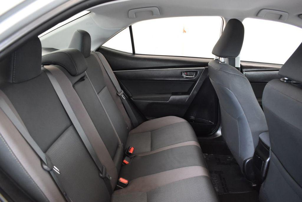 2017 Toyota Corolla LE - 18157160 - 22