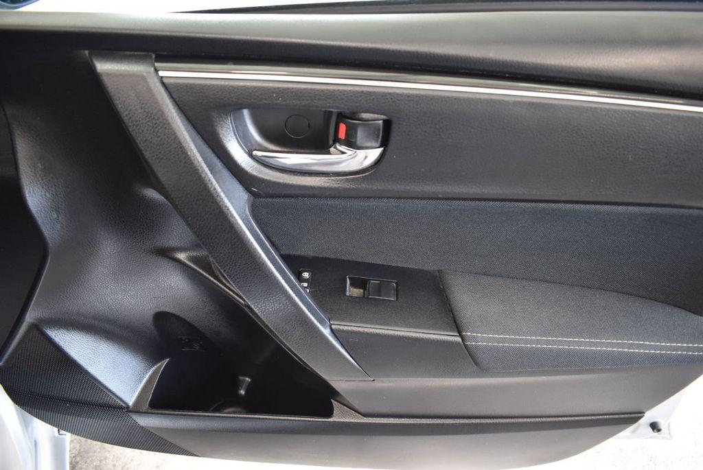 2017 Toyota Corolla LE - 18157160 - 26