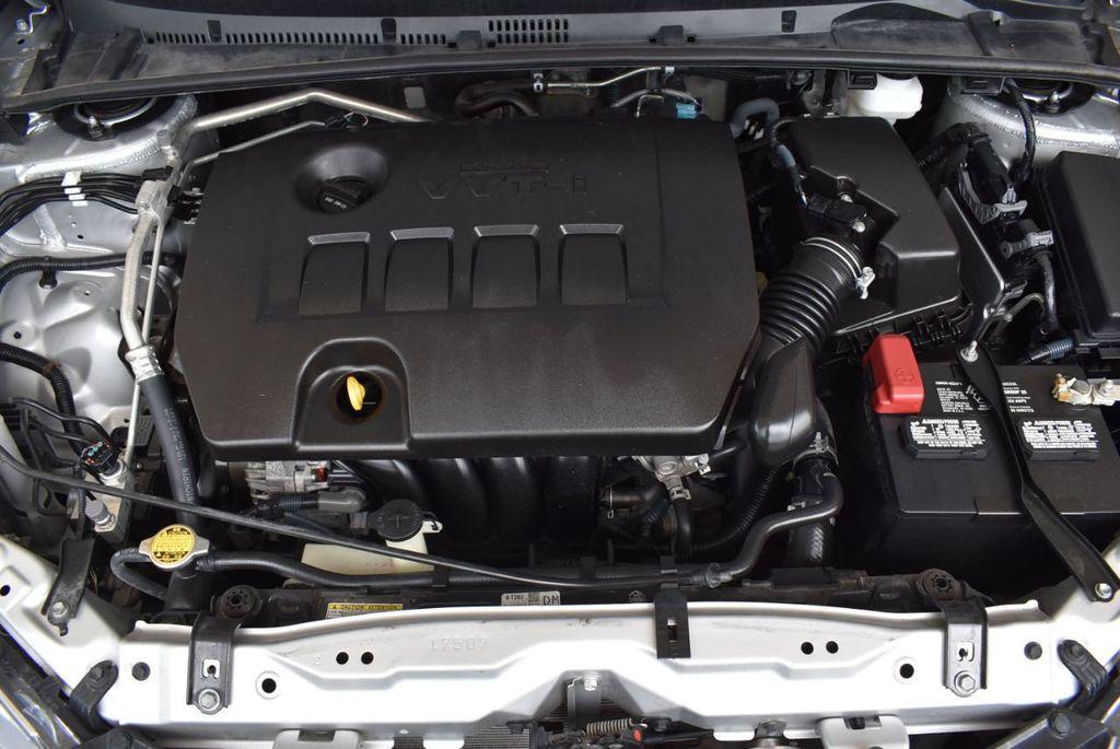2017 Toyota Corolla LE - 18157160 - 27