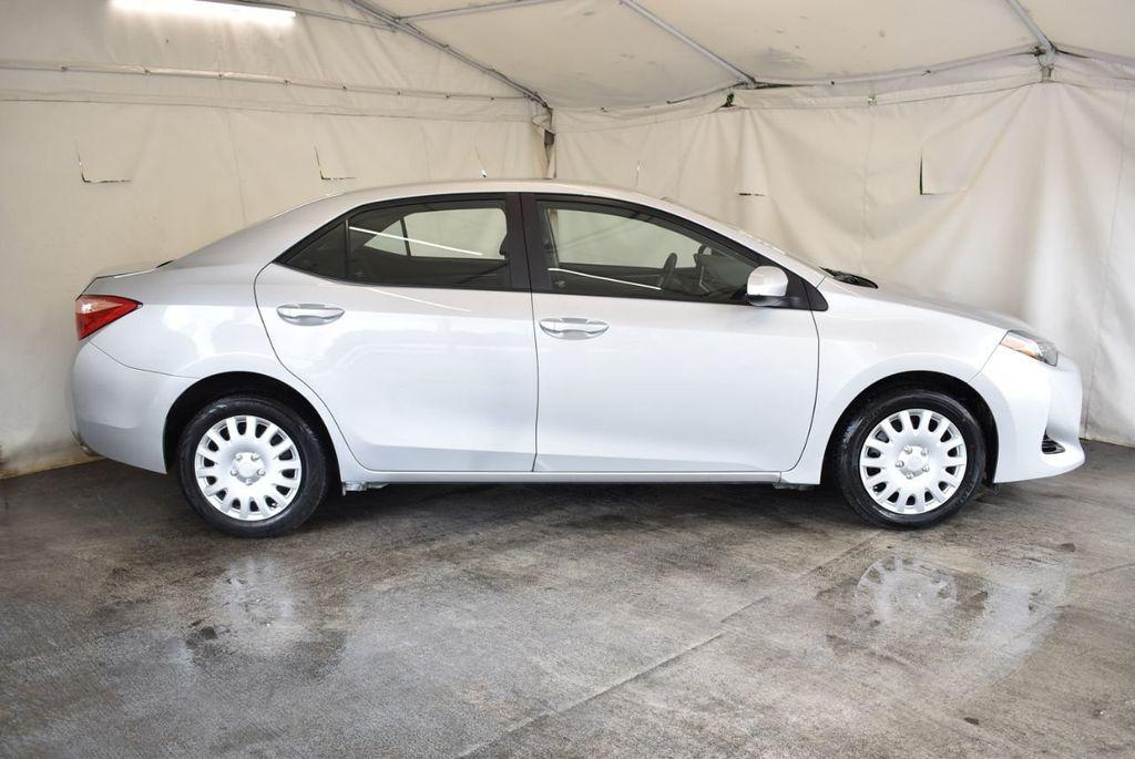 2017 Toyota Corolla LE - 18157160 - 2