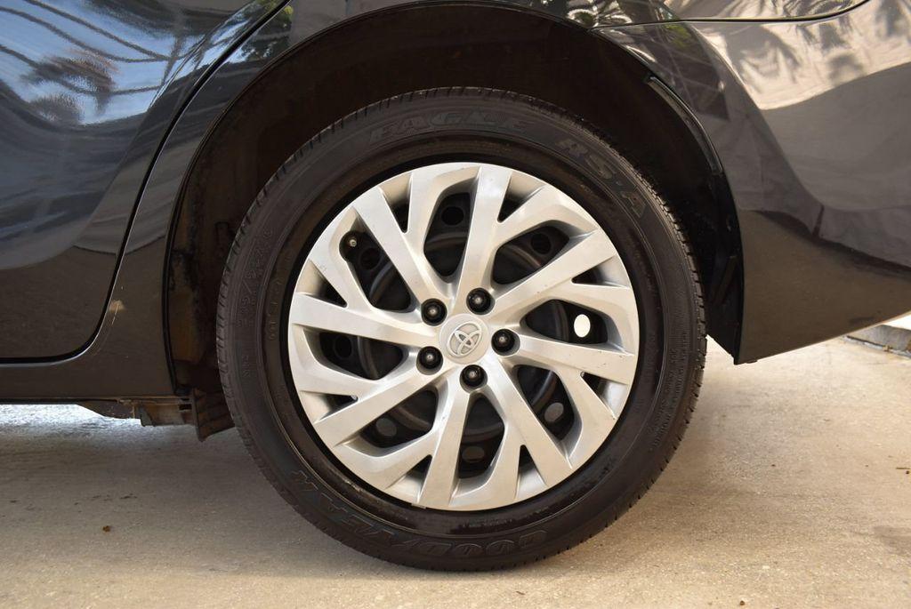 2017 Toyota Corolla LE - 18415833 - 10