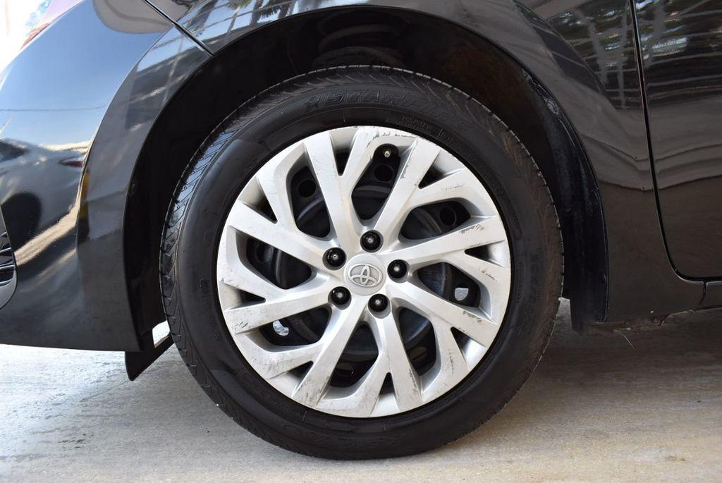 2017 Toyota Corolla LE - 18415833 - 11