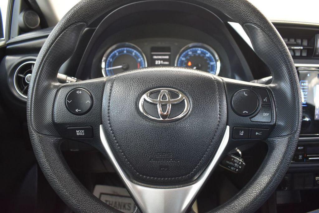2017 Toyota Corolla LE - 18415833 - 17
