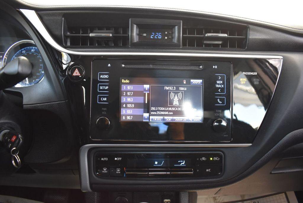 2017 Toyota Corolla LE - 18415833 - 20