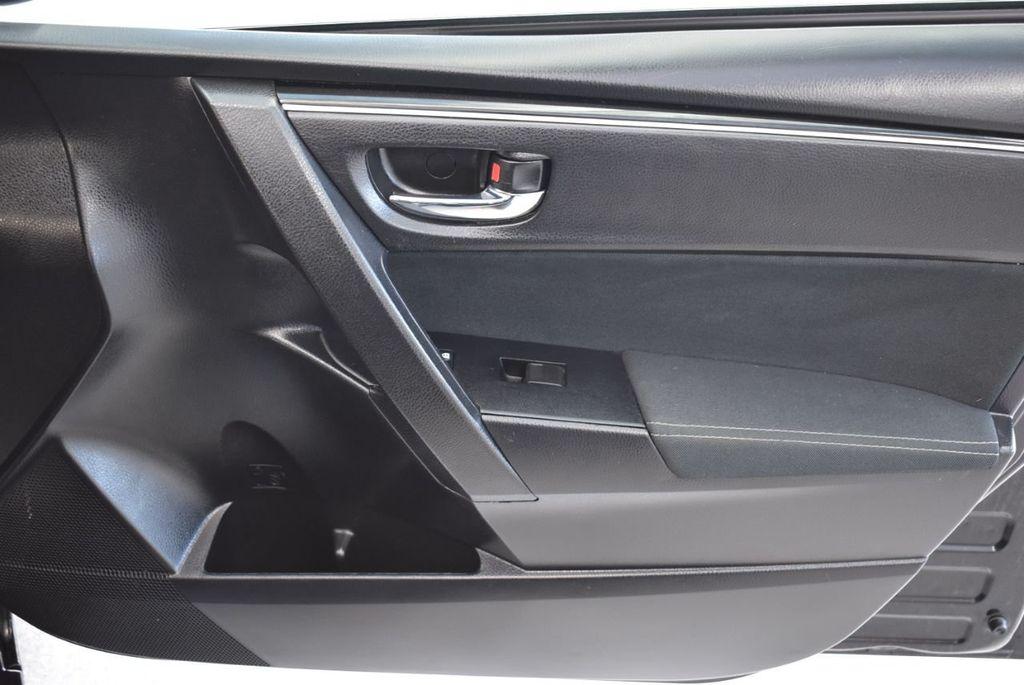 2017 Toyota Corolla LE - 18415833 - 25