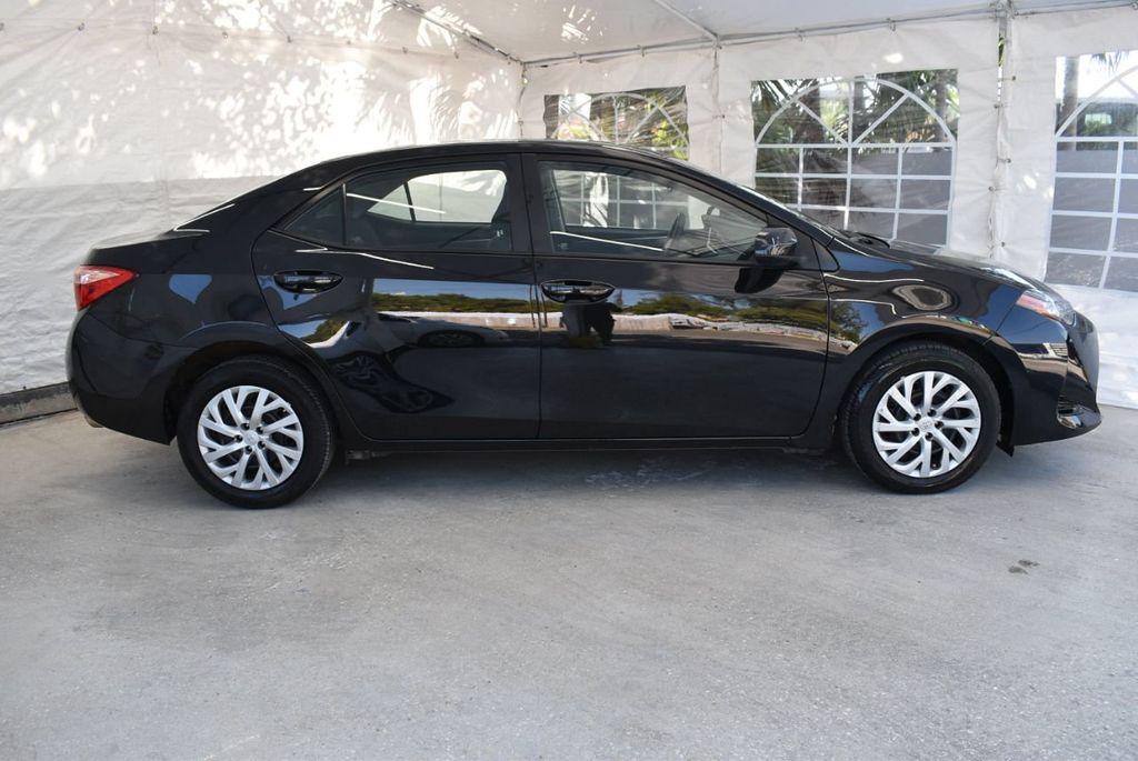 2017 Toyota Corolla LE - 18415833 - 2