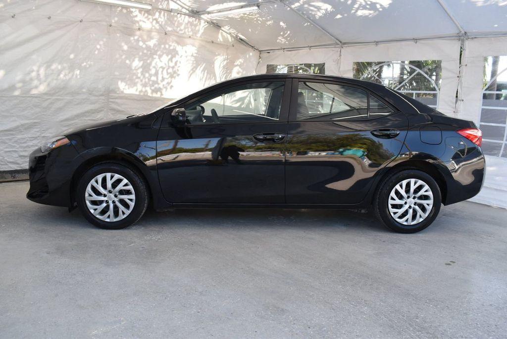 2017 Toyota Corolla LE - 18415833 - 4