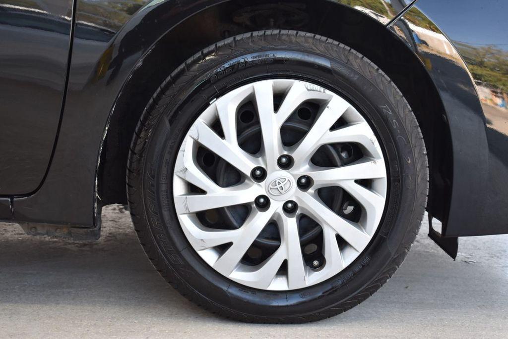 2017 Toyota Corolla LE - 18415833 - 8