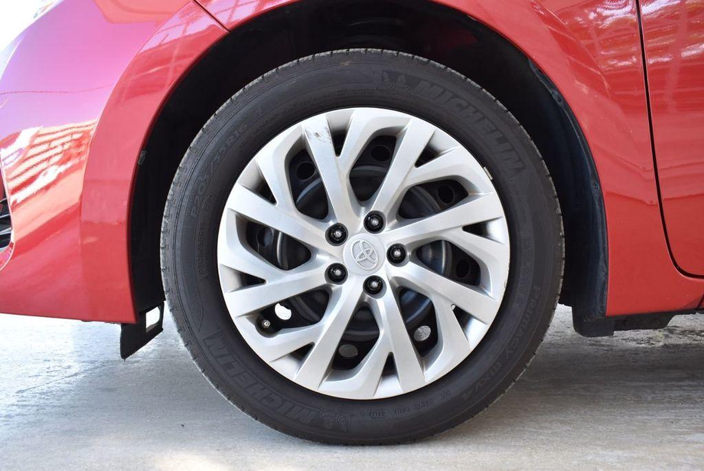 2017 Toyota Corolla LE - 18436051 - 11