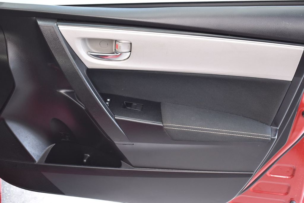 2017 Toyota Corolla LE - 18436051 - 24