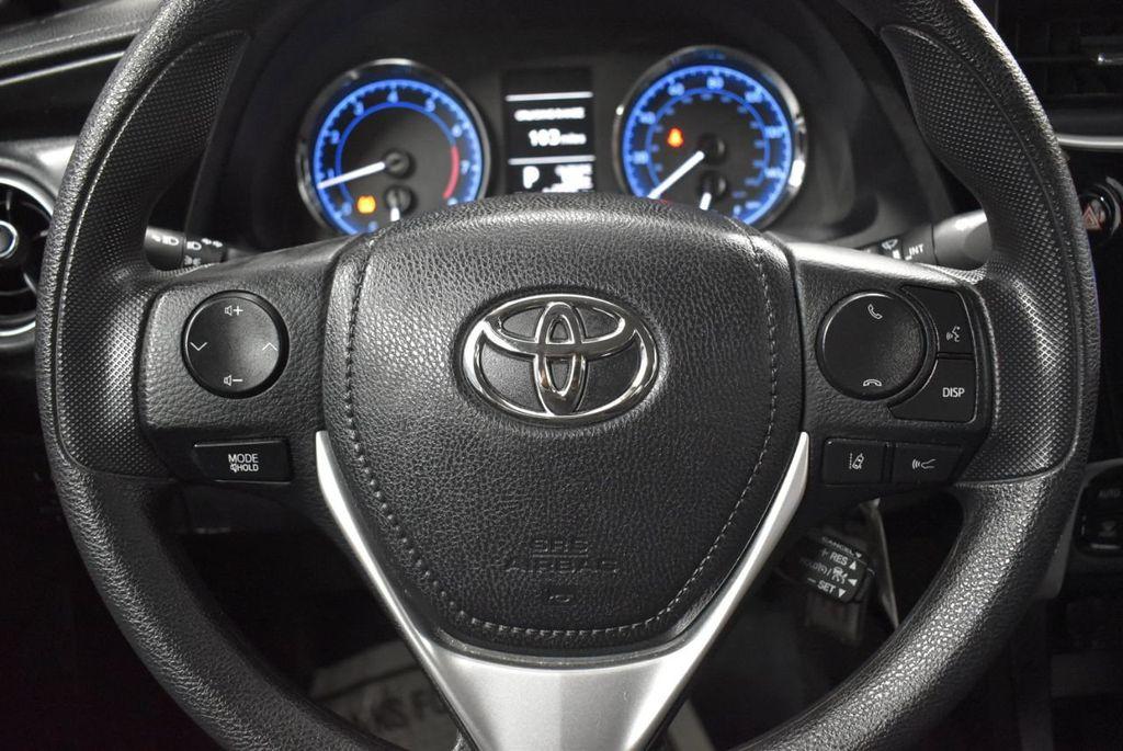 2017 Toyota Corolla LE - 18341580 - 17