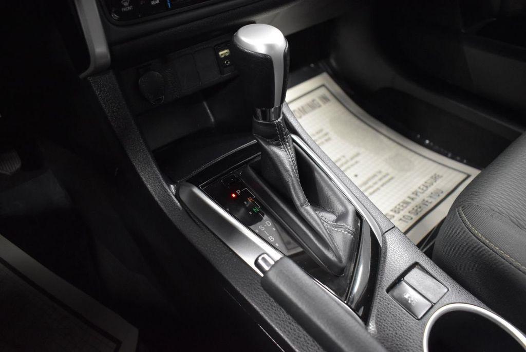 2017 Toyota Corolla LE - 18341580 - 21