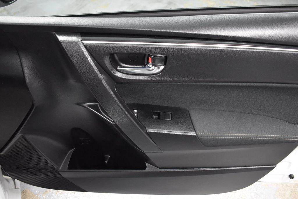 2017 Toyota Corolla LE - 18341580 - 25