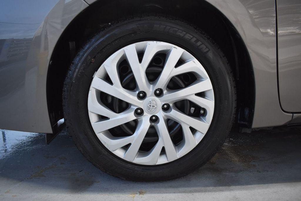 2017 Toyota Corolla LE - 18341581 - 11