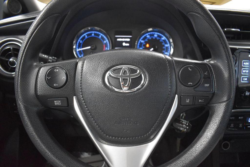 2017 Toyota Corolla LE - 18341581 - 17