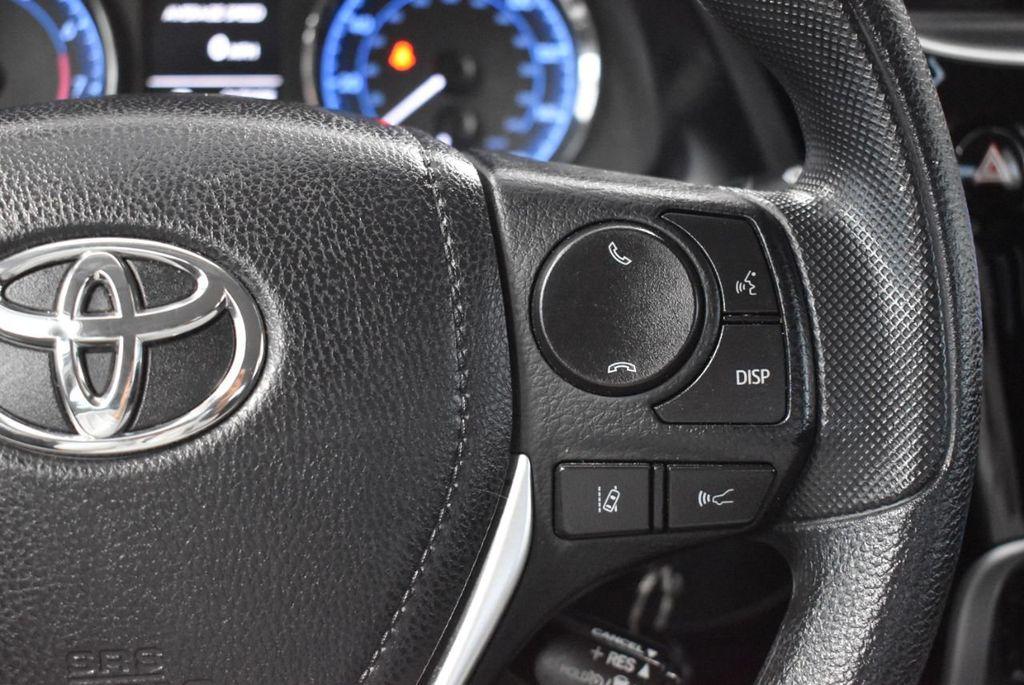 2017 Toyota Corolla LE - 18341581 - 18