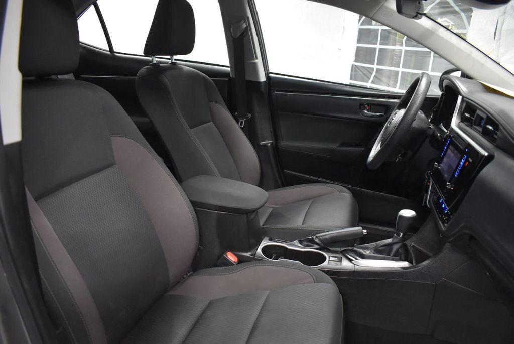 2017 Toyota Corolla LE - 18341581 - 25