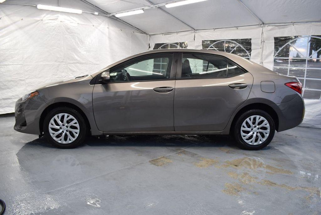 2017 Toyota Corolla LE - 18341581 - 4