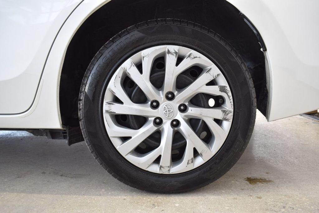 2017 Toyota Corolla LE - 18497673 - 10
