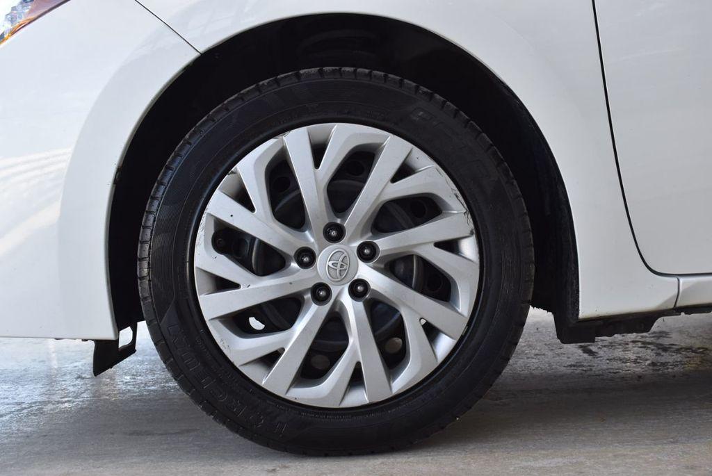 2017 Toyota Corolla LE - 18497673 - 11