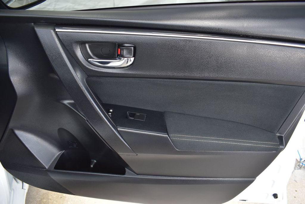2017 Toyota Corolla LE - 18497673 - 17