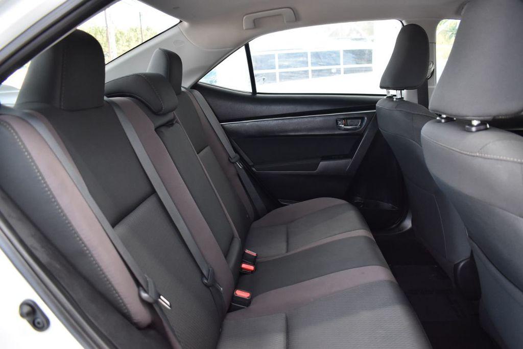 2017 Toyota Corolla LE - 18497673 - 18