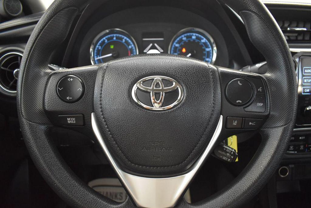2017 Toyota Corolla LE - 18497673 - 21