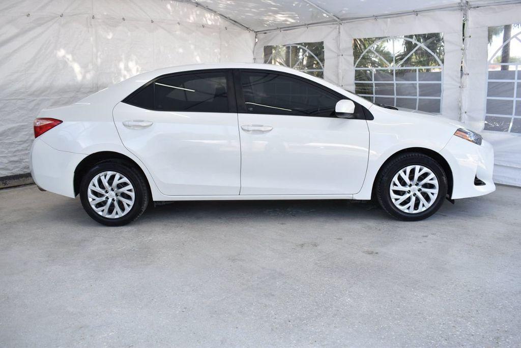 2017 Toyota Corolla LE - 18497673 - 2