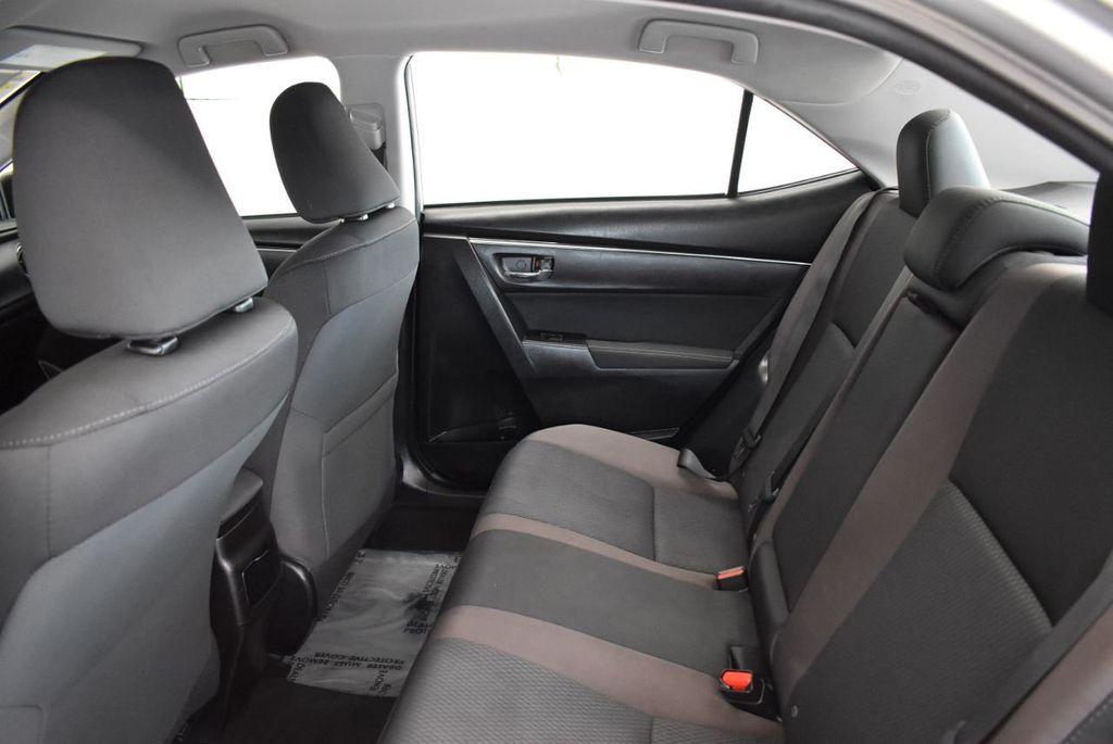 2017 Toyota Corolla SE CVT - 17971219 - 10