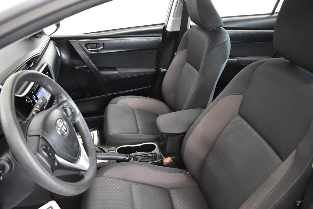 2017 Toyota Corolla SE CVT - 17971219 - 12