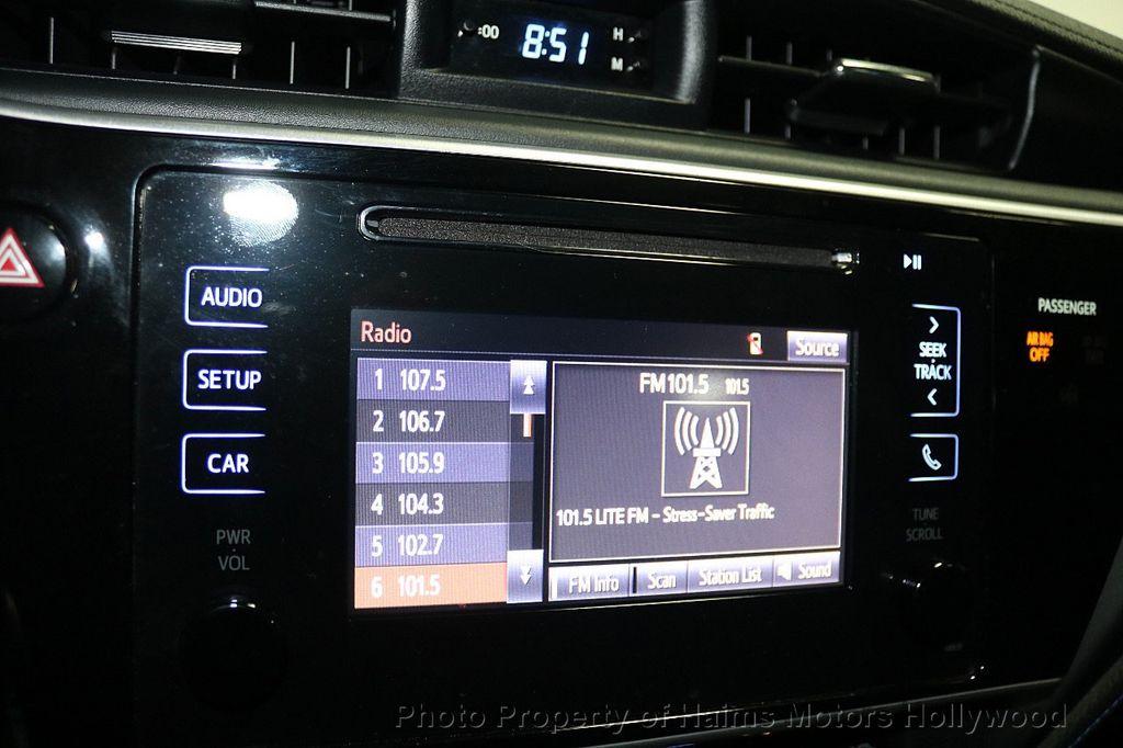 2017 Toyota Corolla SE MODEL - 17842912 - 18