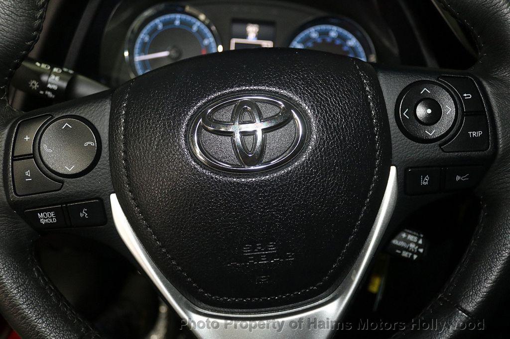 2017 Toyota Corolla SE MODEL - 17842912 - 24