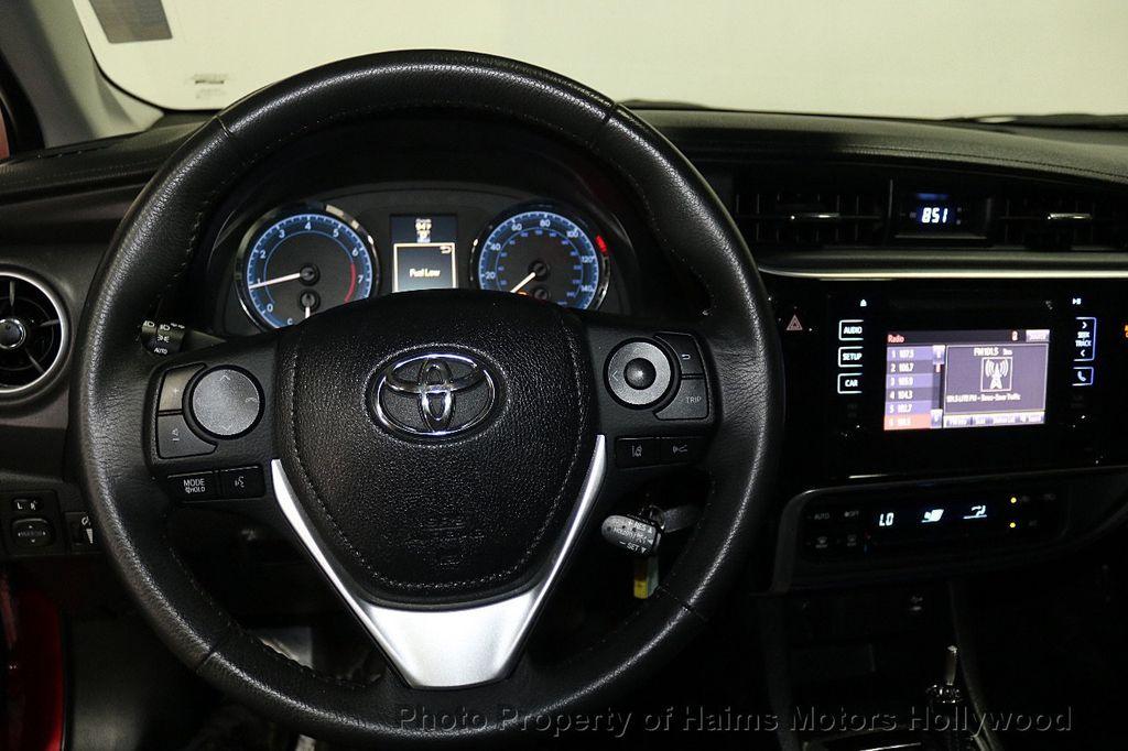 2017 Toyota Corolla SE MODEL - 17842912 - 25