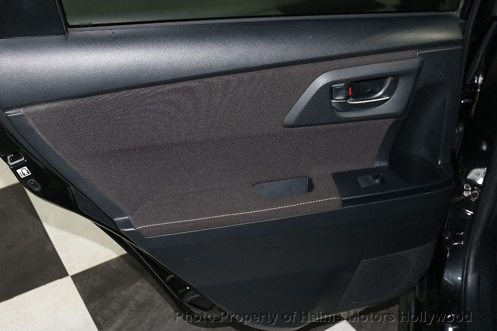2017 Toyota Corolla iM Custom Car - 18588529 - 10