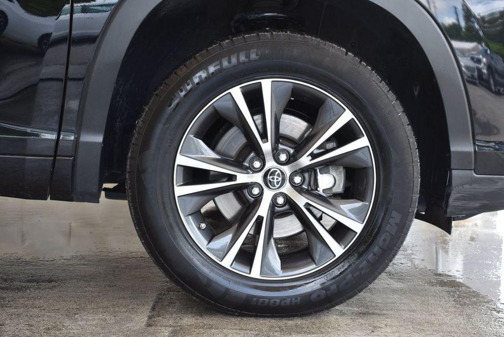 2017 Toyota Highlander LE I4 FWD - 18044376 - 6