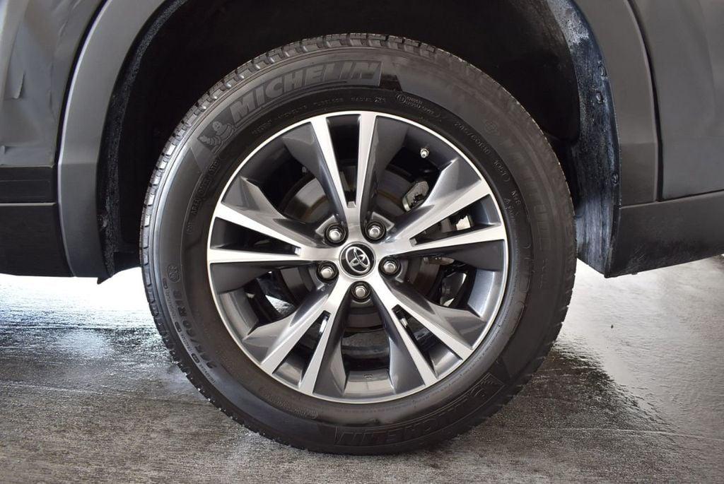 2017 Toyota Highlander LE I4 FWD - 18044376 - 8
