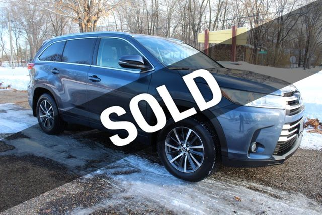 2017 Toyota Highlander XLE ONE OWNER AWD W/ NEW TIRES