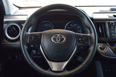 2017 Toyota RAV4 XLE AWD - Click to see full-size photo viewer