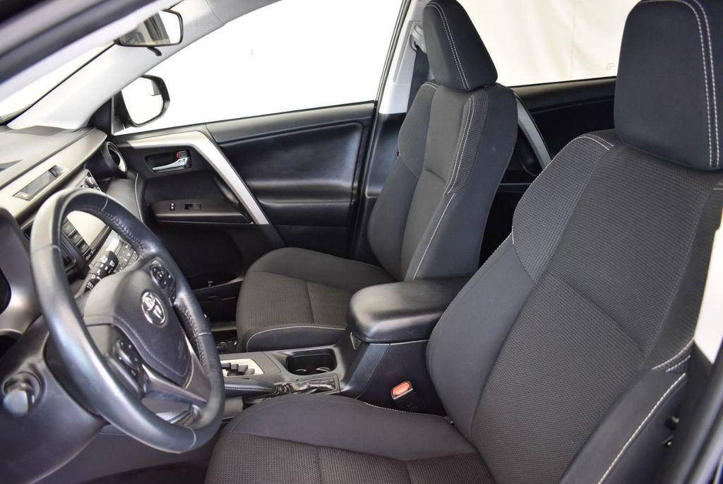 2017 Toyota RAV4 XLE FWD - 18070730 - 13