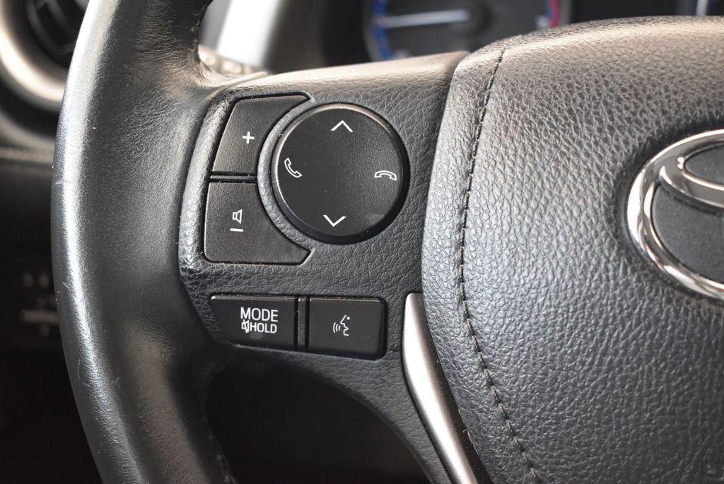 2017 Toyota RAV4 XLE FWD - 18070730 - 17