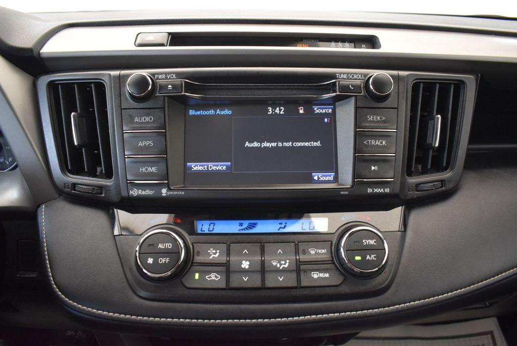 2017 Toyota RAV4 XLE FWD - 18070730 - 18