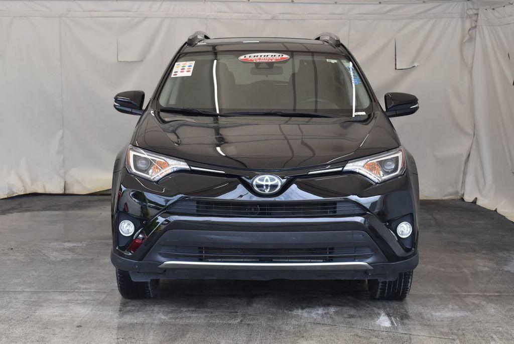 2017 Toyota RAV4 XLE FWD - 18070730 - 3